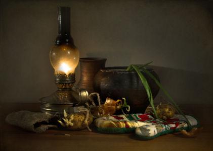 С керосиновой лампой